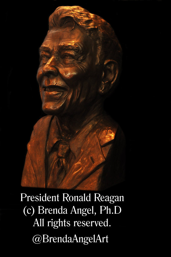 Brenda_Angel_Ronald_Reagan_sculpture_001