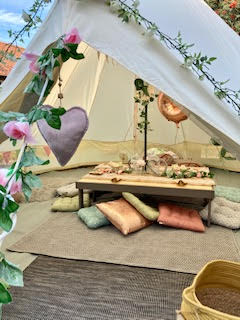 Picnic bell tent set up.jpg