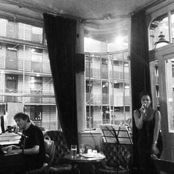 London pub gig