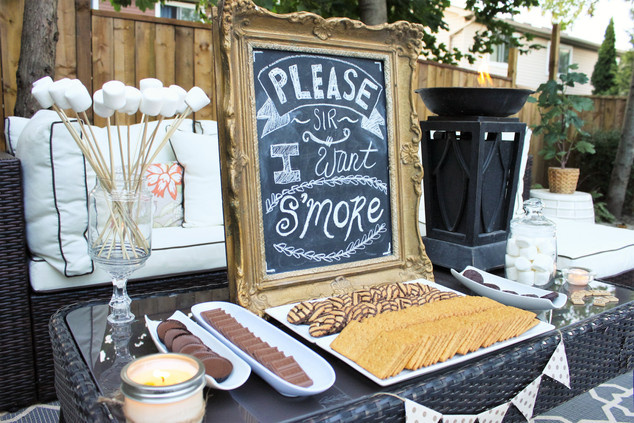 Smores-Bar-for-summer-nights.-How-to-set
