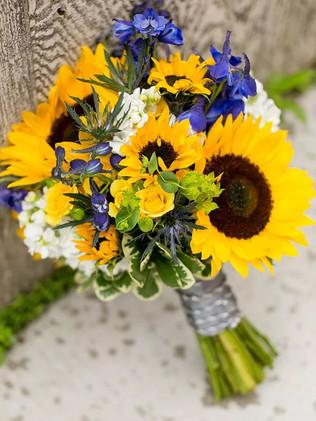 Sunflowers-Summer-Wedding-Flower.jpg