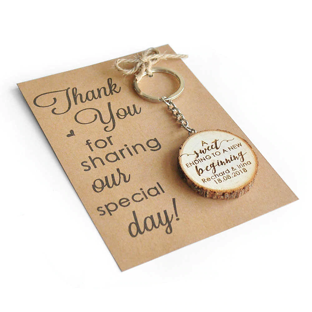 Personalized-Wooden-Keyring-Wedding-Favo