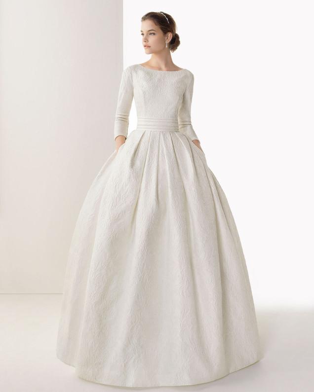 long-sleeve-wedding-dresses-.jpg