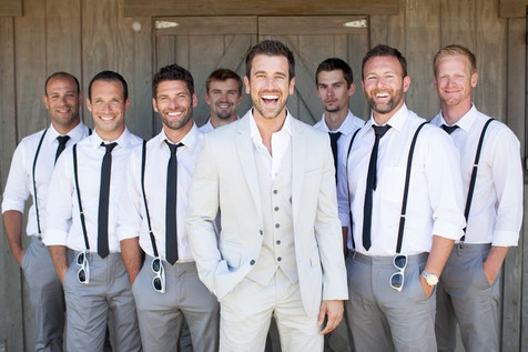Perfect-Groom-and-Groomsmen-Shot.jpg