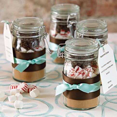 diy-hot-chocolate-favor-jar.jpg