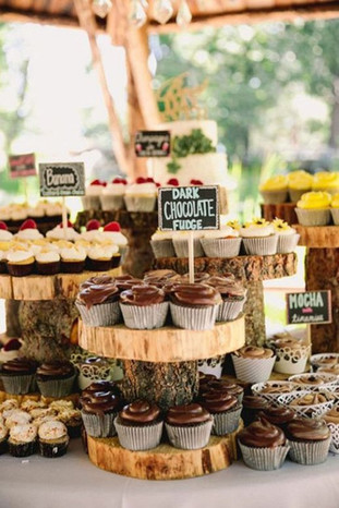 Mouth-watering-Wedding-Dessert-Table-Ide