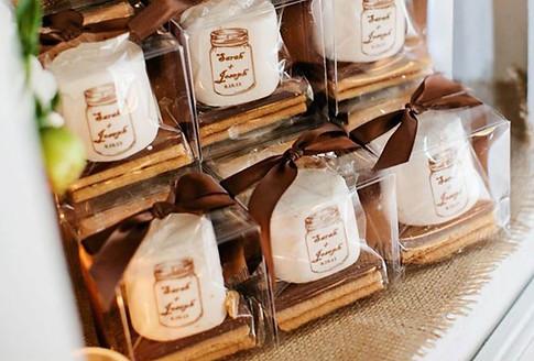 wedding-favors-keepsake-candle-jars.jpg