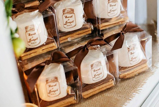 wedding-favors-keepsake-candle-jars.jpg