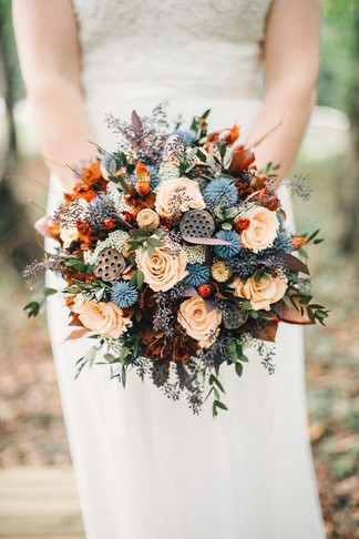unique-fall-wedding-bouquet-with-a-touch