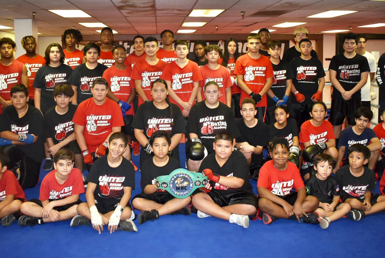 Teen Boxing group picture 2020.jpg