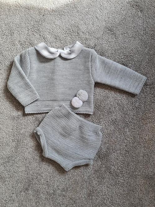 Grey & White Checked Collar Pom Set