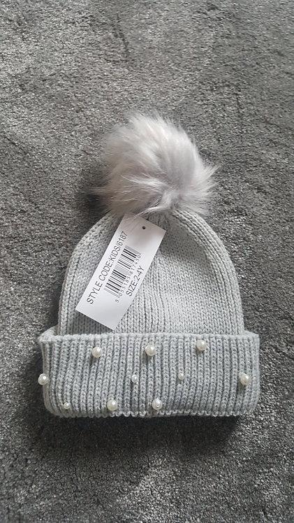 Grey Knitted Fluffy Pom Pom Pearl Hat