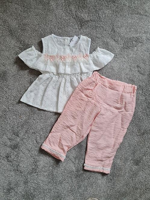 Lace Shoulder Top & Peach 3/4 Trousers Set