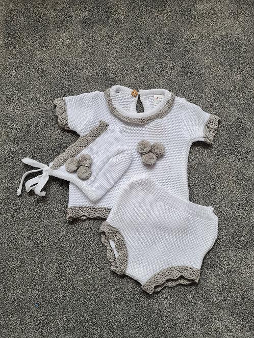 White 3 Piece Knitted Pom Pom Set