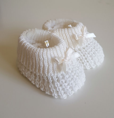 Cream Knitted Bow Booties