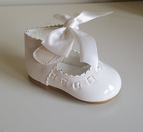 White Patent Ribbon Bow Hard Sole Shoes