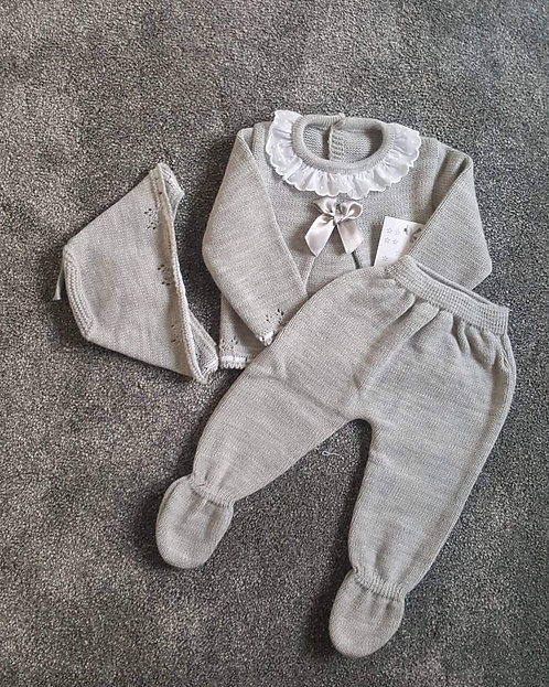 Boxed Grey Unisex Bow Knitted Bonnet Set