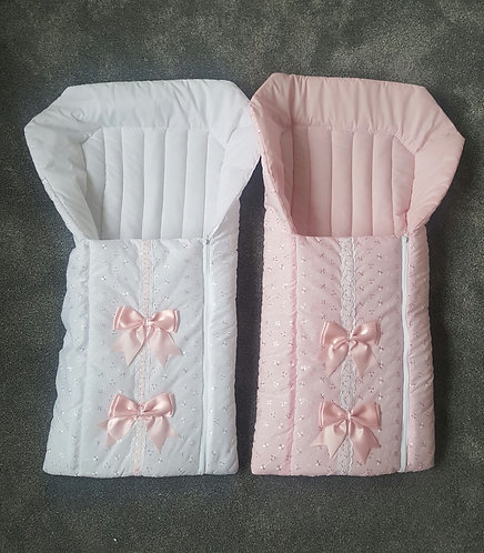 Broderie Anglaise Ribbon Bow Baby Nest