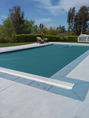 Underguide Pool Cover with Metal Lid