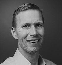 2020 Headshot Fredrik.JPG