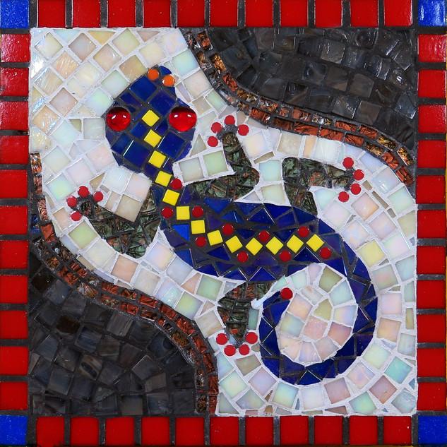 Karen Cavanaugh, El Gecko, Mosaic Steppingstone with Dotti Stone