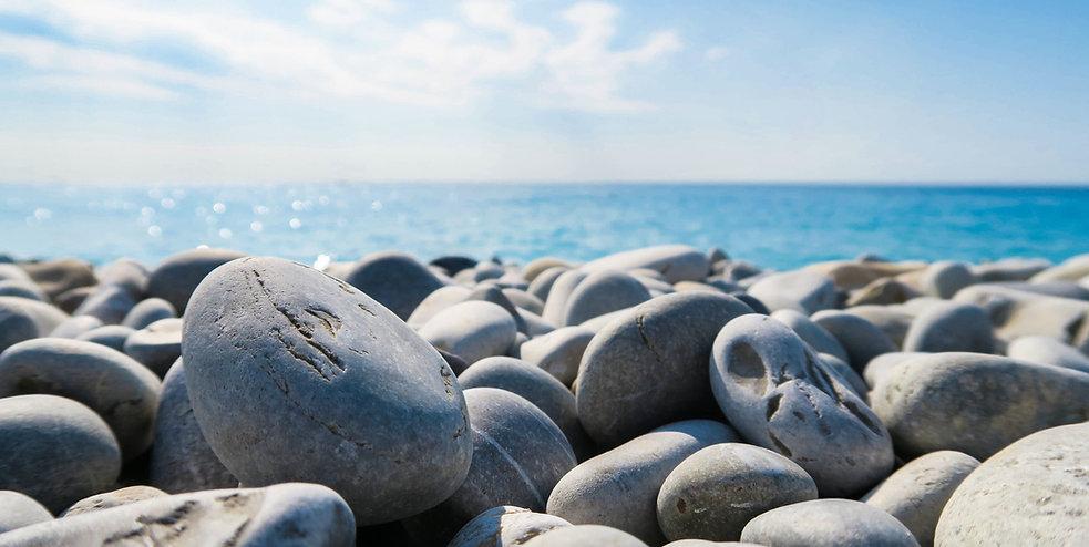 1-Blid Steine Wasser.jpg
