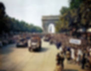 1024px-Crowds_of_French_patriots_line_th