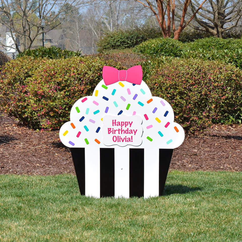 cupcake announcement yard sign Illiniois