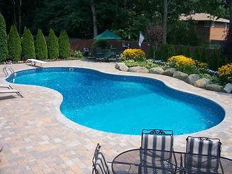 backyard_pic_014_op_800x600.jpg