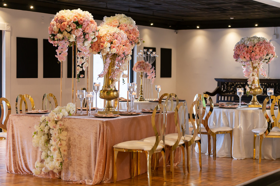 Bridal dinner table