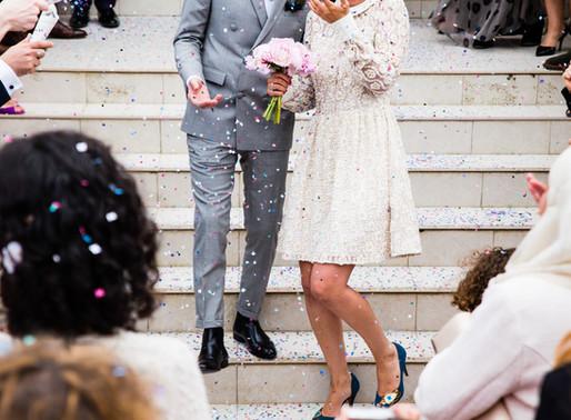 Mit illik viselni egy esküvőn?