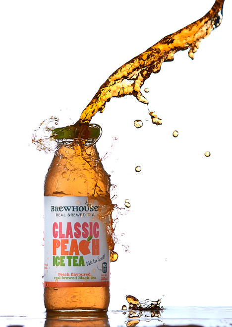 Brewhouse Classic Peach Tea splash photography.