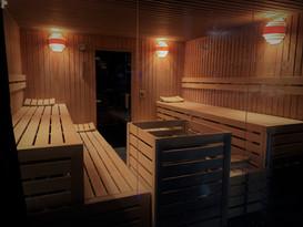 Sauna und Nassbereiche
