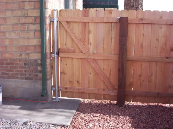 Wood Walk Gate with Metal Post