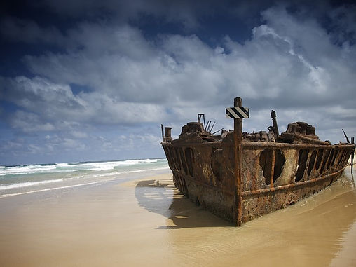 Fraser Island: Wrecks & Crystal Clear Lakes