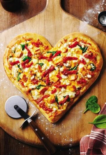valentines-pizza