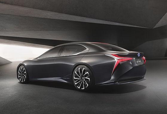 Lexus LF-CF Flagship Concept Revealed