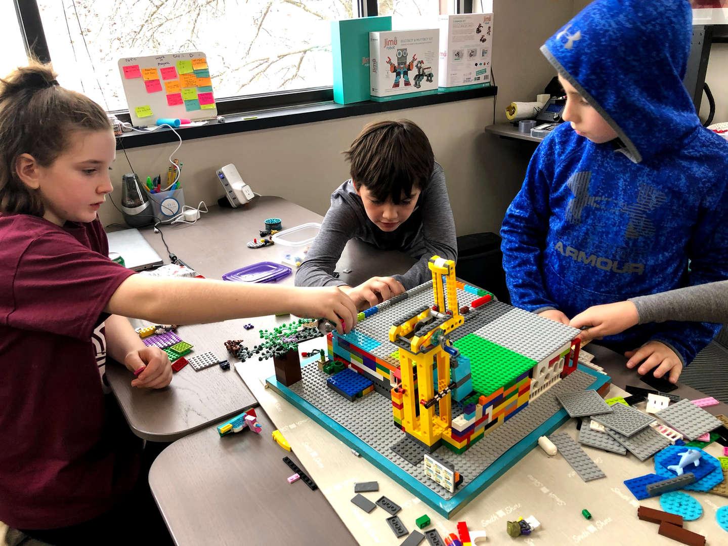 Kids Building