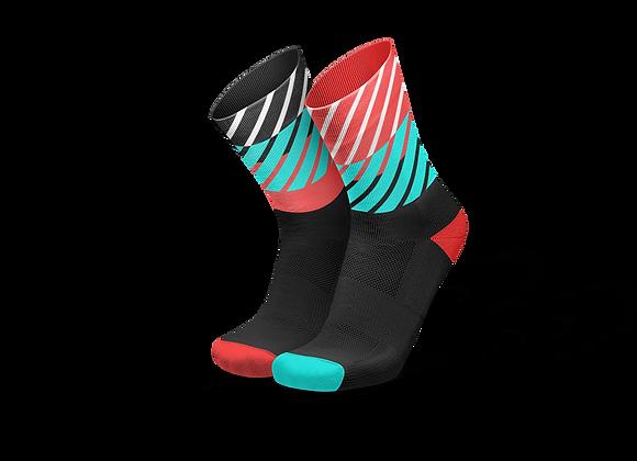 DIAGONALS BLACK INFERNO - גרבי ריצה וספורט