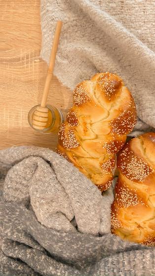 Deliciously Soft Jewish Challah Bread Origin + Recipe