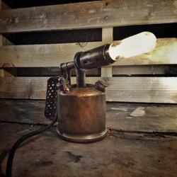 lueur en vrac-Lampe chalumeau-editions l