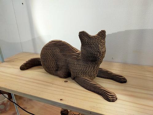 Statue de chat en carton
