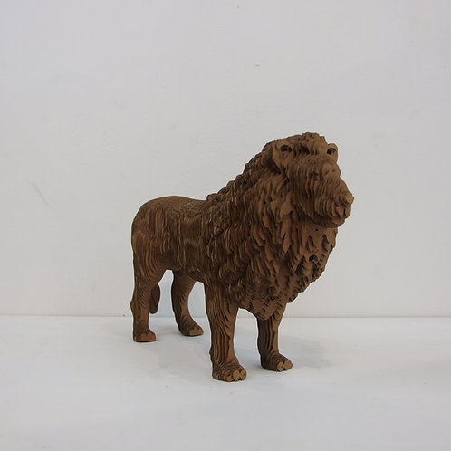 Statue de lion en carton