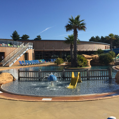 Camping le Fief - vue piscine_