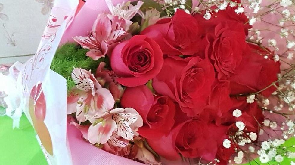 Arreglo de 6 rosas