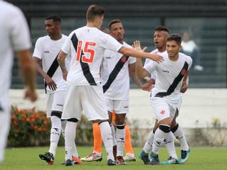 DIADORA + VASCO: Marca lança uniforme com edição limitada para o time competir o campeonato carioca.