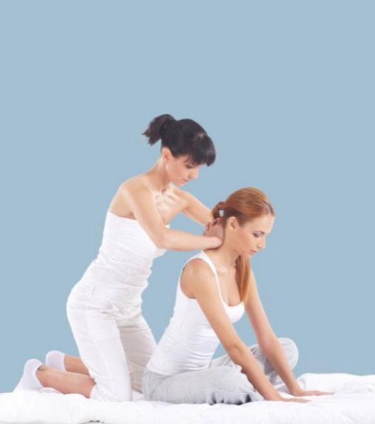 Thai Yoga Massage (back and shoulder)