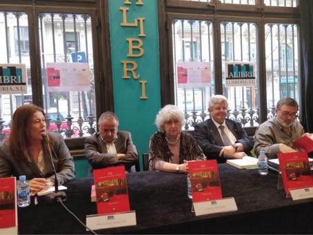 """Presentación en Barcelona del libro """"155. Los días que estremecieron a Cataluña"""". Teresa Freixes."""