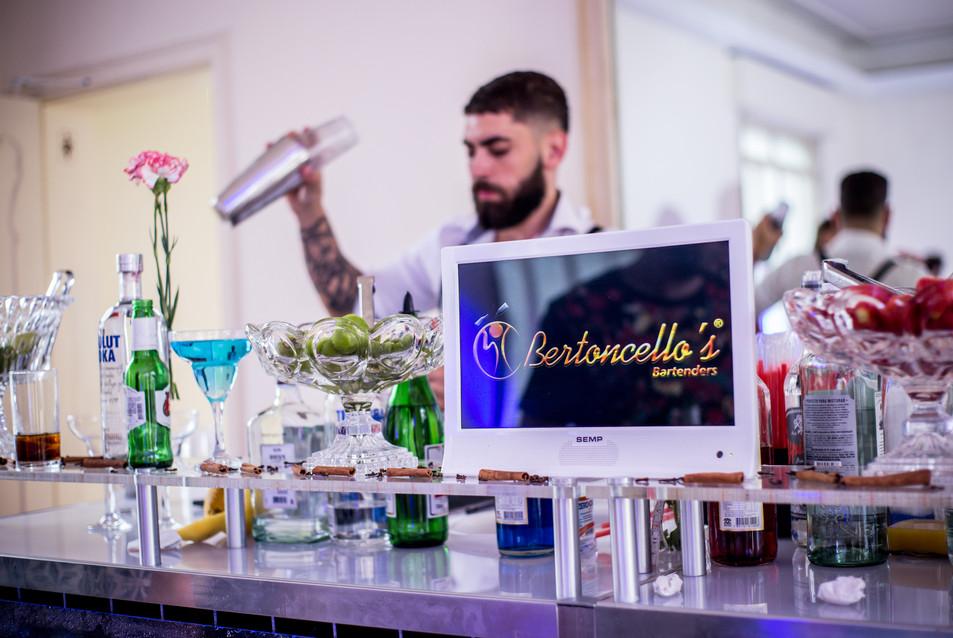 Copyright Oficial Bertoncellos Bartenders © 2020 Todos os direitos reservados