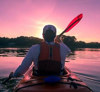 kayak 600x555.jpg